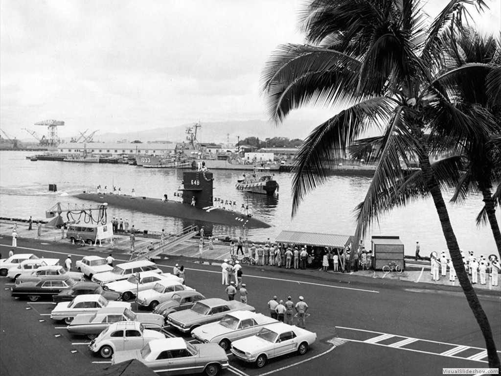 USS Aspro (SSN-648) returning to Pearl Harbor.